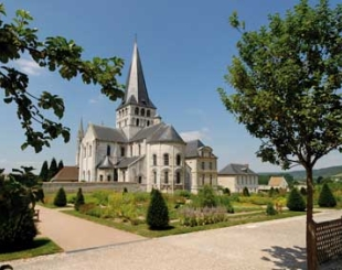 Saint-Georges_Abbey